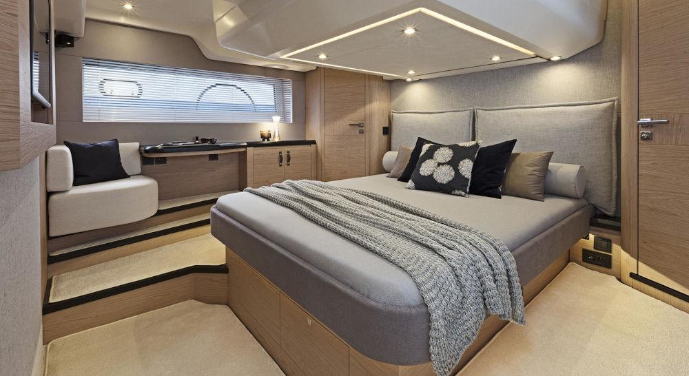 MONTE CARLO 52 interior 5