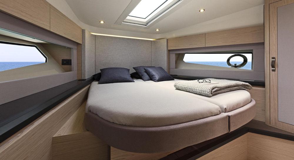 MONTE CARLO 52 interior 7